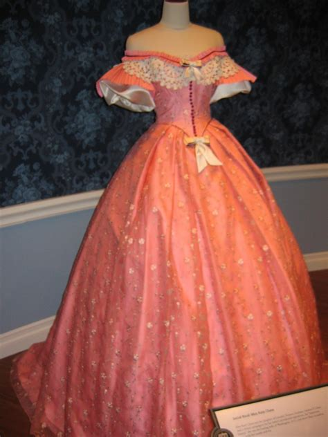 Mary Todd Lincoln's Dress   Abraham Lincoln Presidential