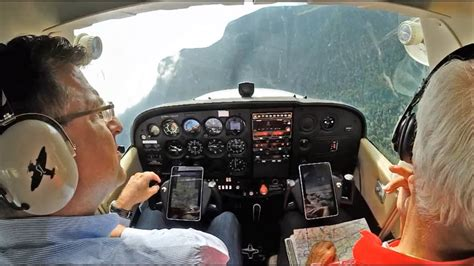 Mountain flying in a C172 - must see! - YouTube