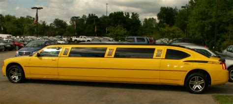 A Muscle-limo In Banana Yelow Paint   Top Speed