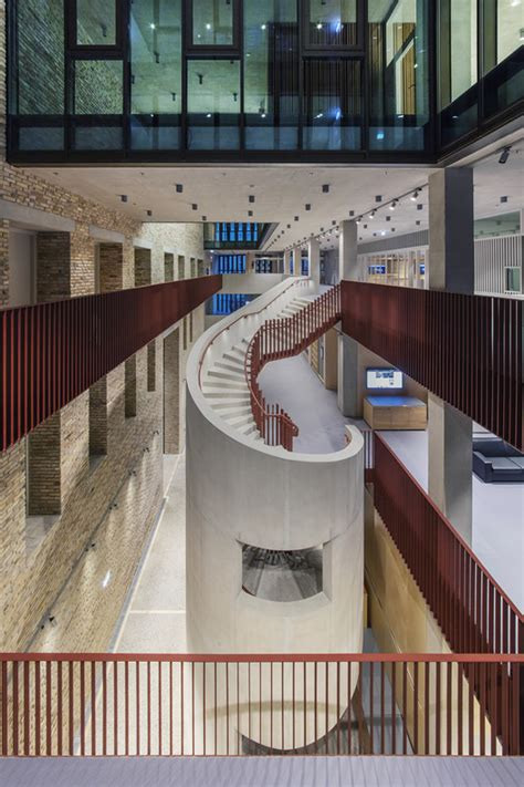 Central European University / O'Donnell + Tuomey   ArchDaily