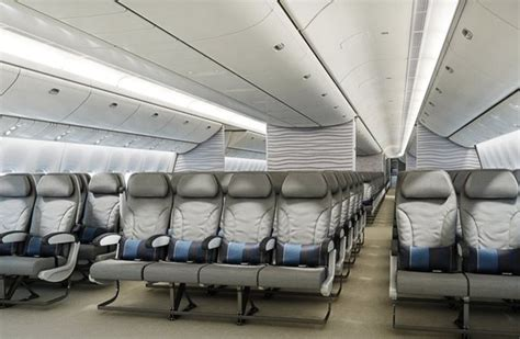 United confirms 10-abreast seating on some of its 777s