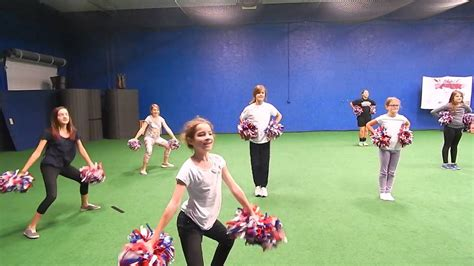 Revere Youth Cheer - 5th Grade Competition Team - YouTube
